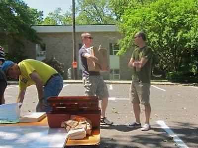dan-and-john-helping-out