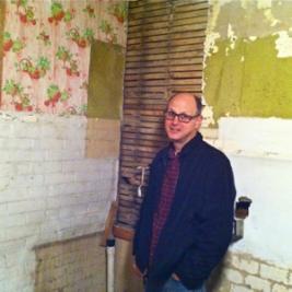 dan-and-old-wallpaper