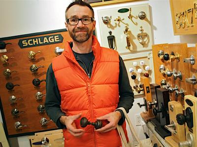 john-shopping-for-doorknobs