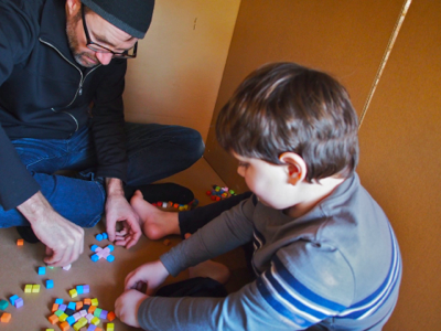 john-and-will-play-with-cubes