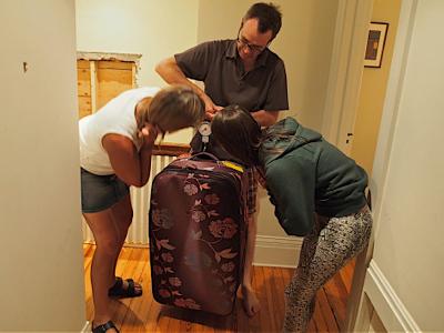 weighing-luggage
