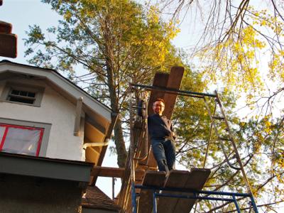 john-on-scaffold